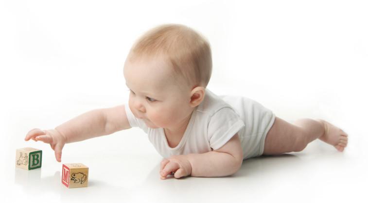 كيف أقوي عظام طفلي الرضيع