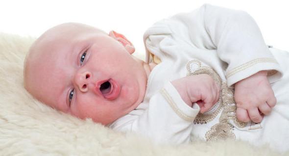 علاج التهاب الحلق عند الاطفال عمر سنه