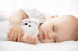 انتفاخ ثدي واحد عند الاطفال