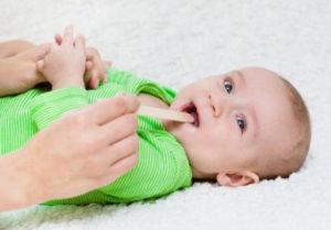 علاج التهاب الحلق عند الاطفال الرضع